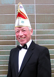 Spargelstecher Senator Helmut Landwehr