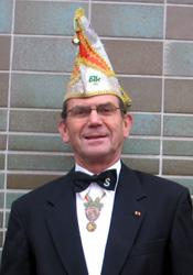 Spargelstecher Senator Karlheinz Moll