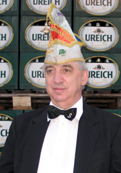 Spargelstecher Senator Nikolaus Satter