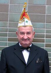 Spargelstecher Senator Egon Scheuermann