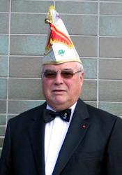 Spargelstecher Senator Horst Schmelcher