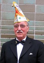 Spargelstecher Senator Hanns Veyel