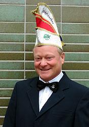 Spargelstecher Senator Ralf Wasser