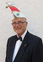 Spargelstecher Senator Gerhard Knapp